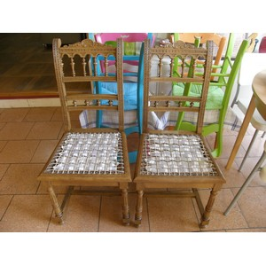 Alternative au cannage - Il y en a deux, chaises