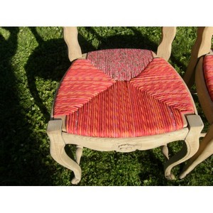 Les chaises rouges 2